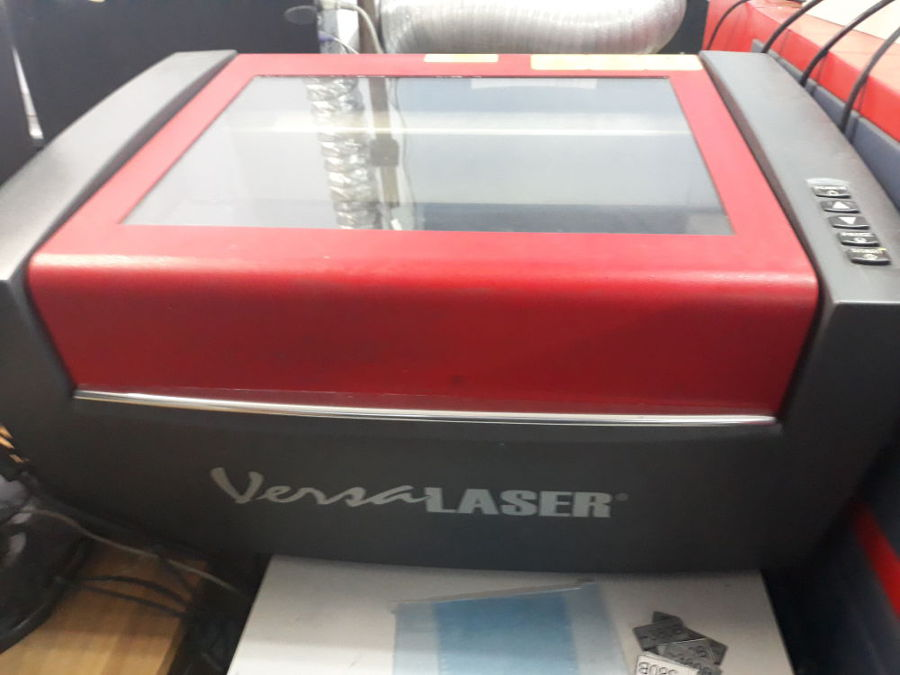Лазерный гравер VersaLaser